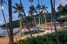 New Pool & Beach Bar Opens at Four Seasons Resort Koh Samui
